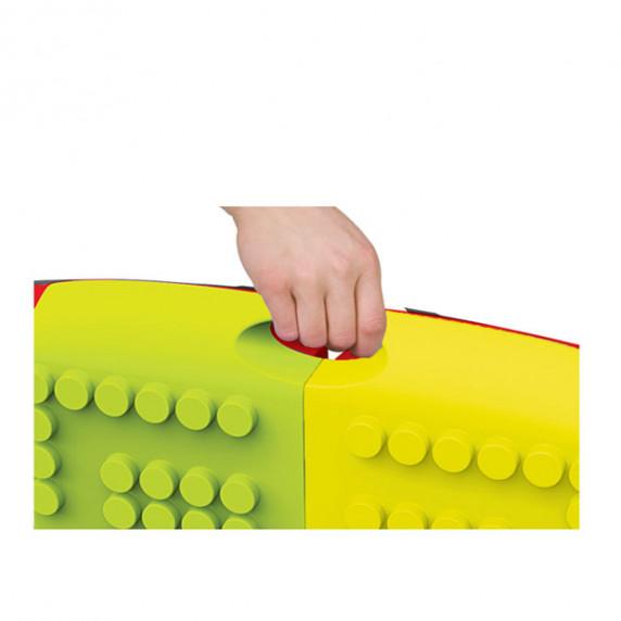 Színes építőkocka szett (22 db) hordozható asztallal MOCHTOYS 11019
